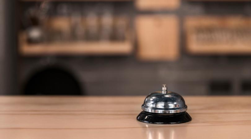 10 Funciones de un Recepcionista de Hotel